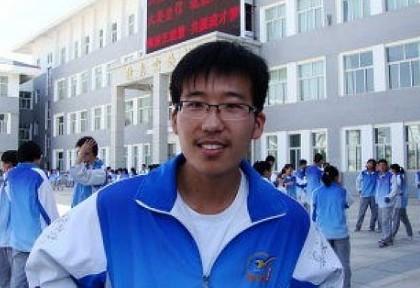 2013年宁夏理科高考学霸王伟:苦难的生活磨砺意志